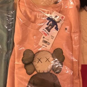 Unirlo KAWS t shirt pink size M